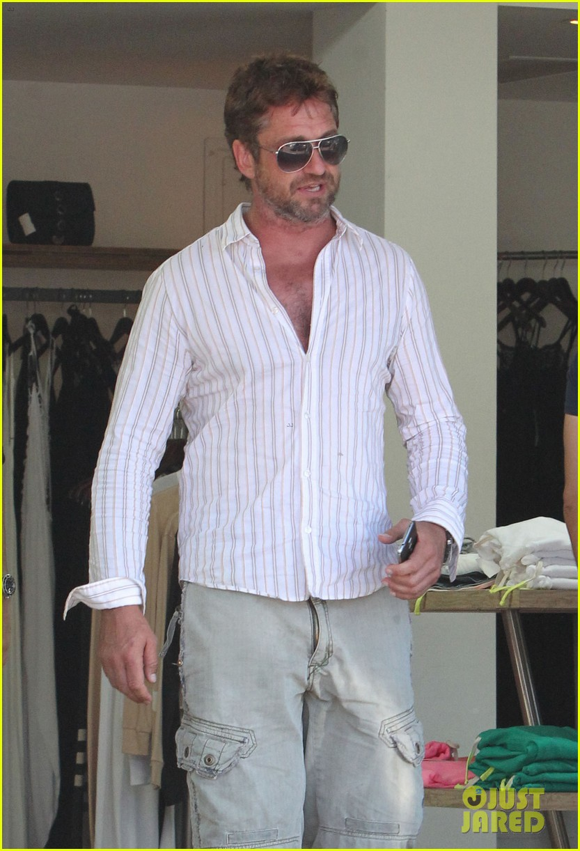 gerard butler chest hair shopping malibu 193177937