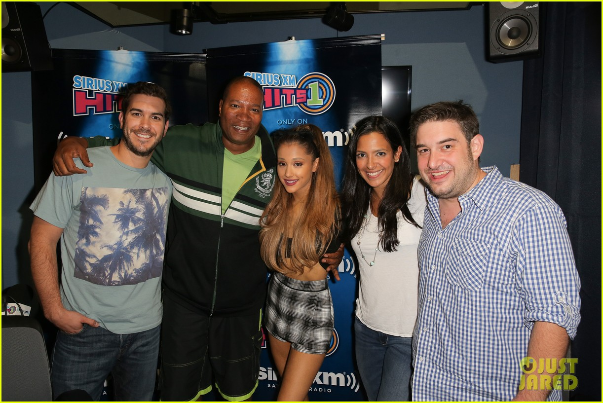 Ariana Grande Talks About Abruptly Ending A Fan Meet Greet Photo