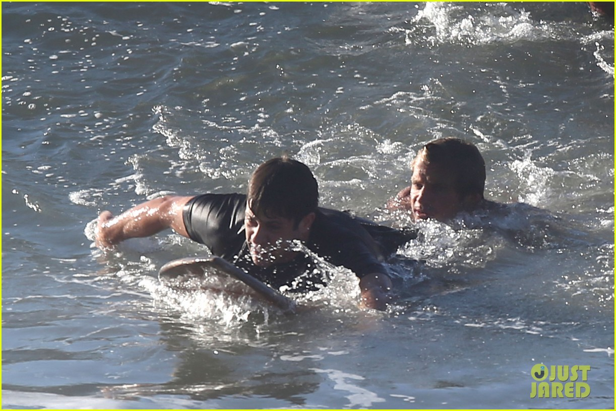 laird hamilton rescues surfer 033185060