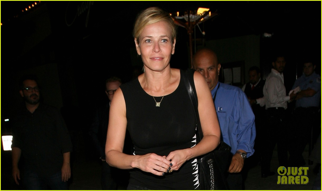 chelsea handler dines with sandra bullock others after goodbye chelsea lately 02