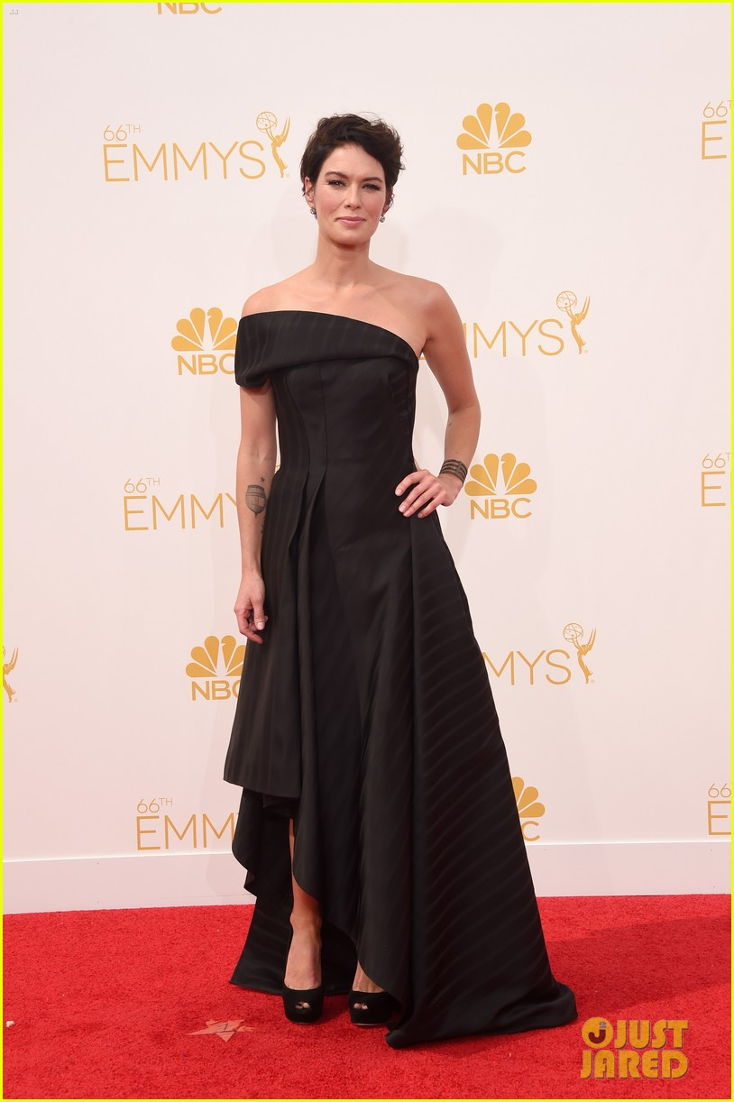 lena headey peter dinklage emmys red carpet 2014 02