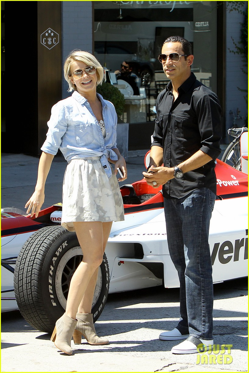 julianne hough helio castroneves selfie before race 063184927