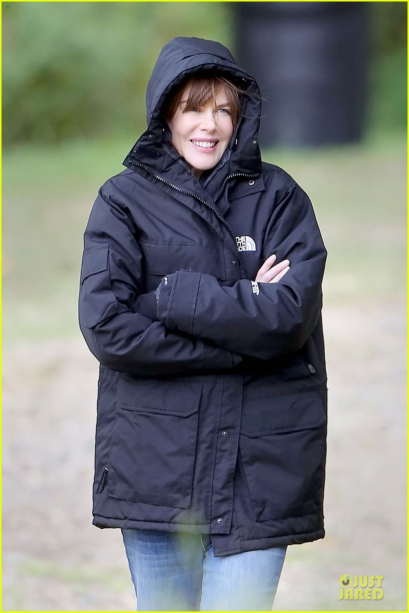nicole kidman jason bateman wrap up week on family fang set 25
