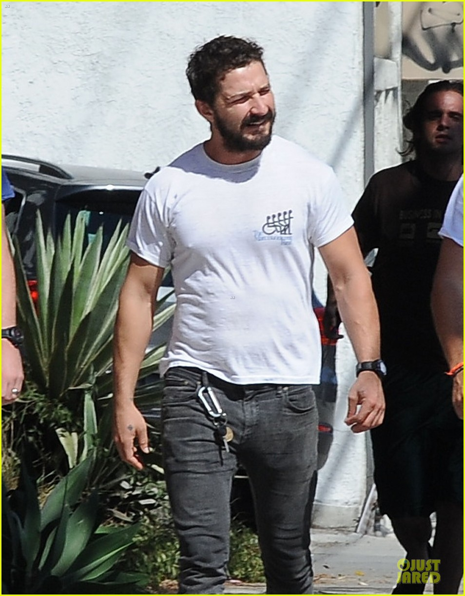 shia labeouf mia goth enjoy lunch date at granville 123181069