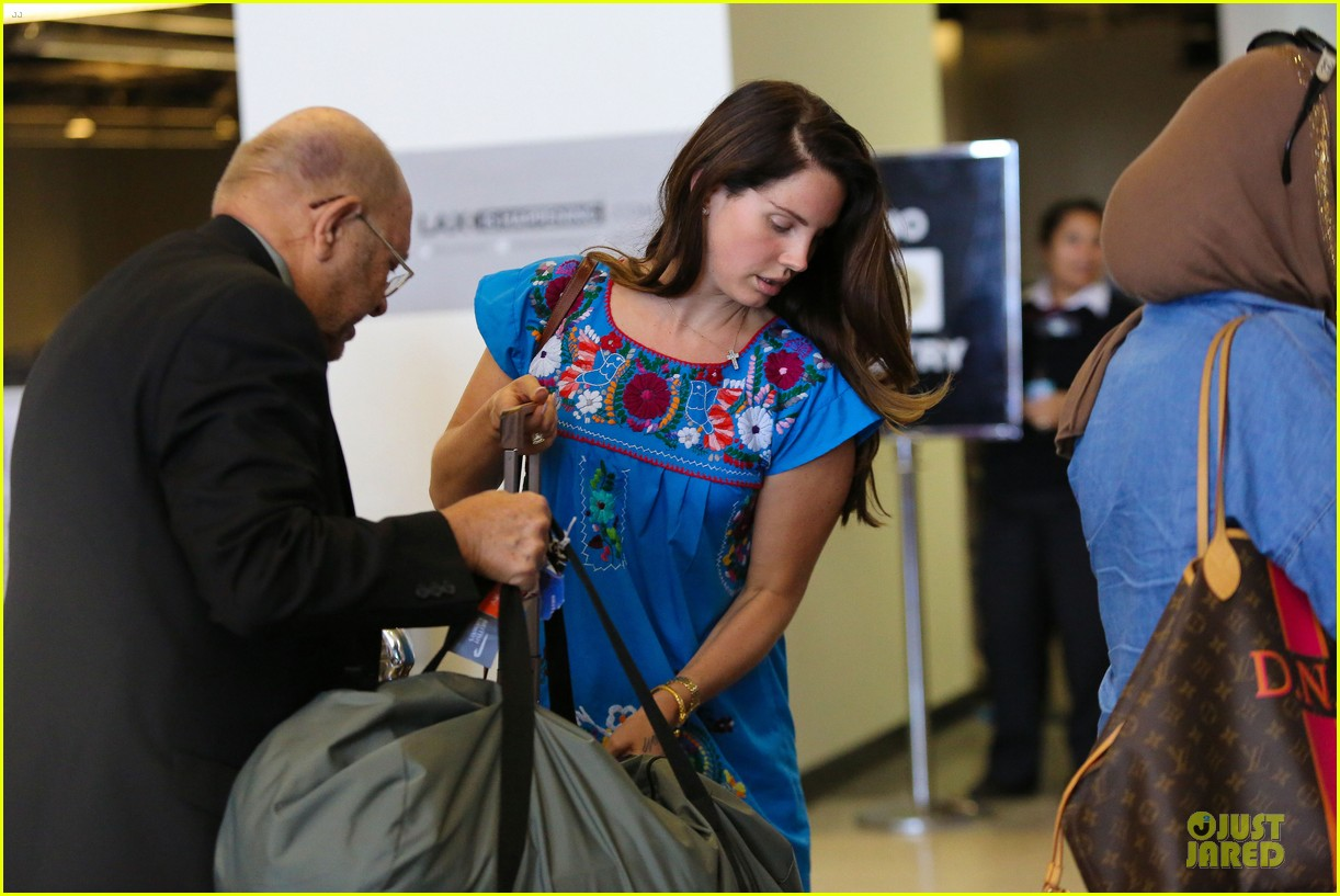 lana del rey blue dress makes us smile 113181219
