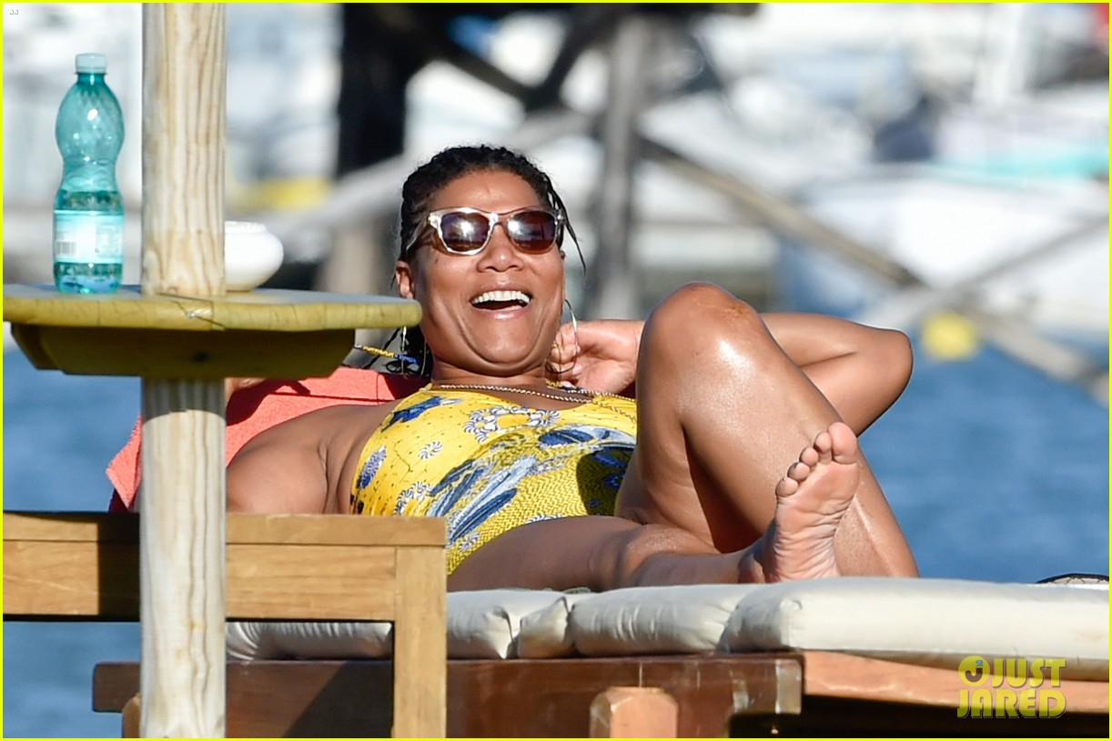 queen latifah shares kiss with girlfriend during romantic italian vaca 183178521