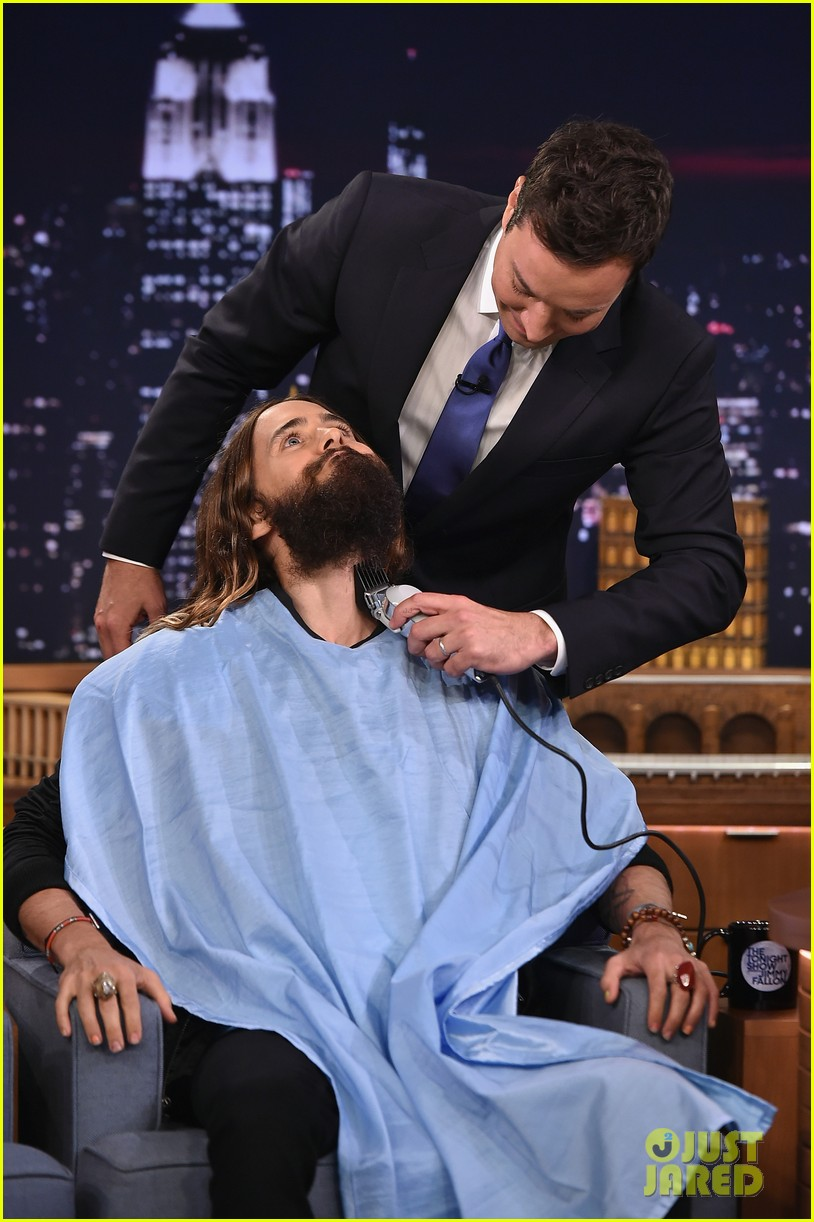 jared leto gets his beard shaved 043179790