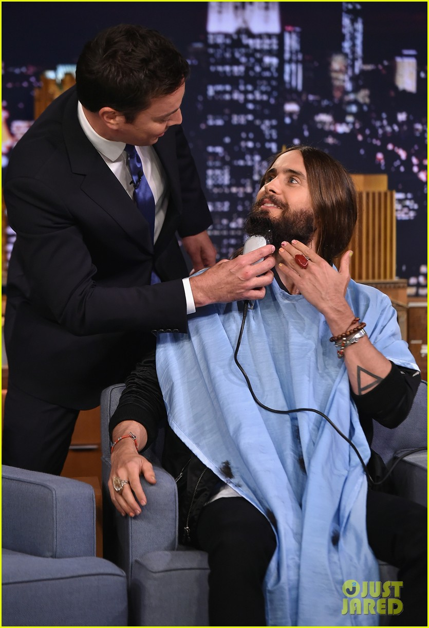jared leto gets his beard shaved 103179796