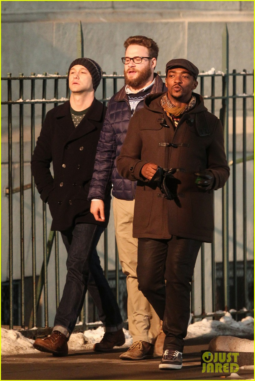 joseph gordon levitt anthony mackie seth rogen christmas movie 023186379