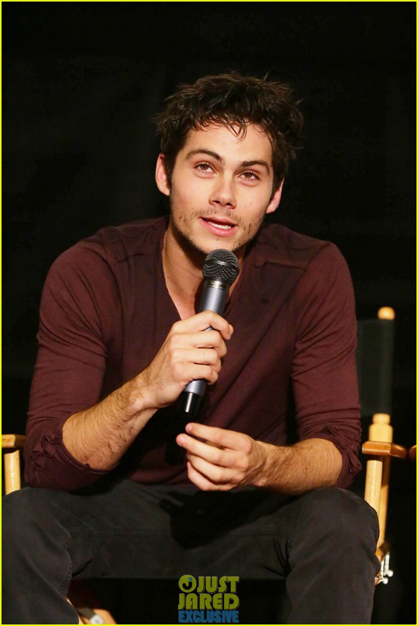 dylan obrien maze runner justjared screening 013182163