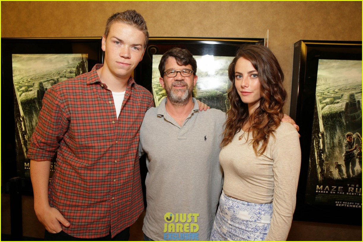 dylan obrien maze runner justjared screening 09