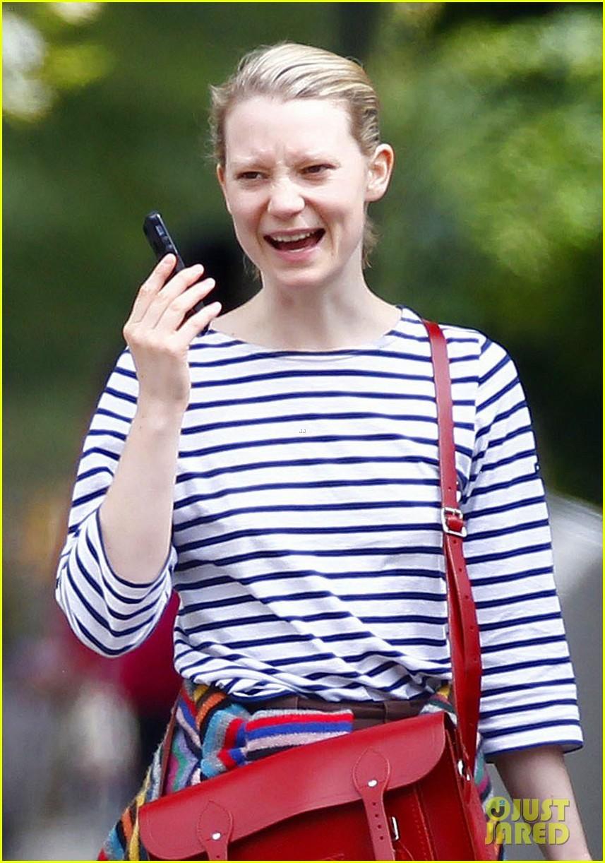 mia wasikowska funny phone call london coffee 02