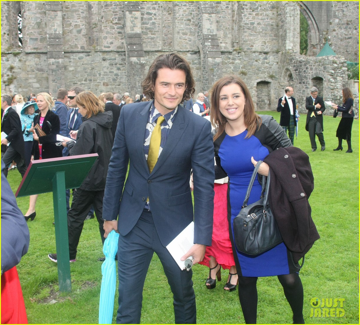 orlando bloom takes selfies wedding ireland 033186809
