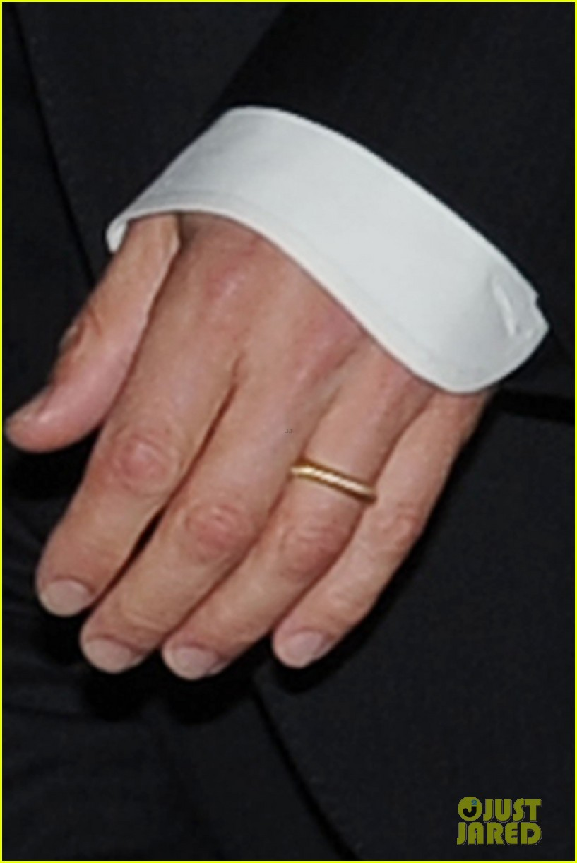 brad pitt suits up amp flaunts his wedding ring again in nyc