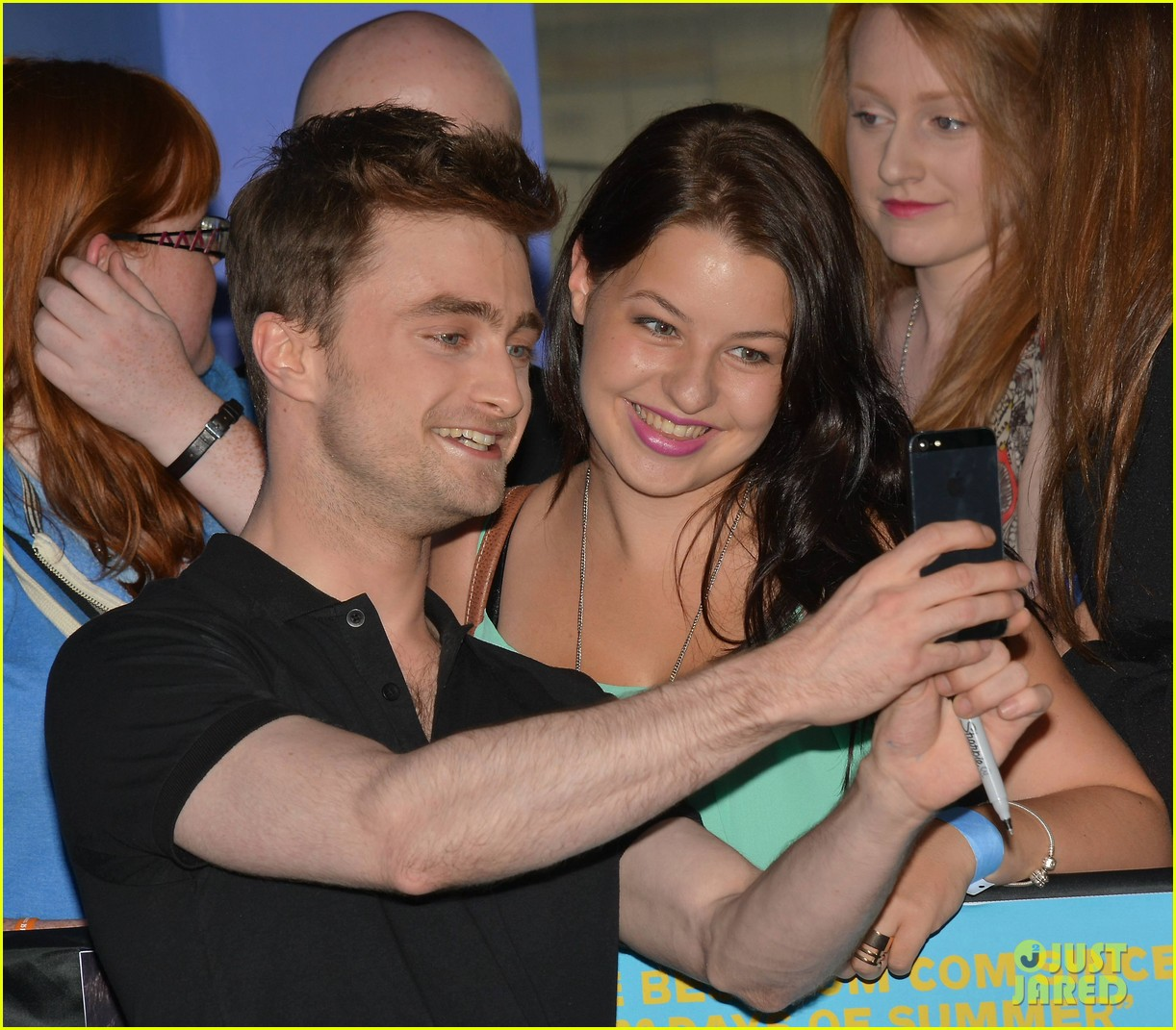 daniel radcliffe pose with fans what if dublin ireland 05
