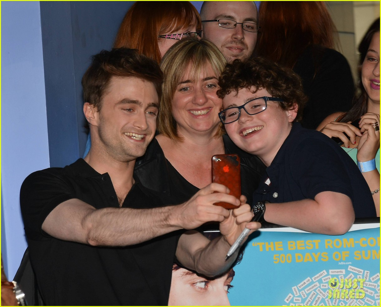daniel radcliffe pose with fans what if dublin ireland 10
