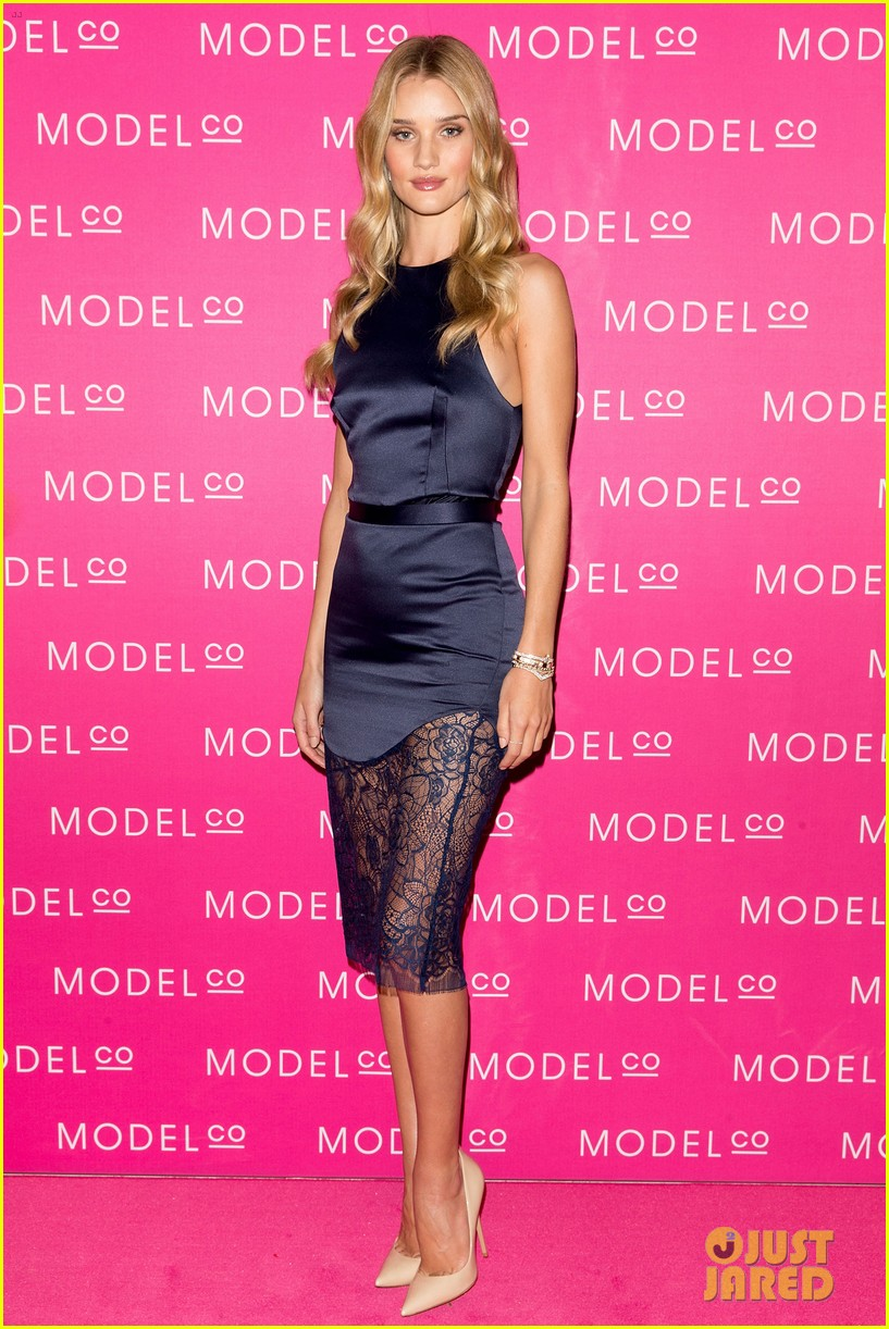 rosie huntington whiteley stuns lacy dress modelco launch 07