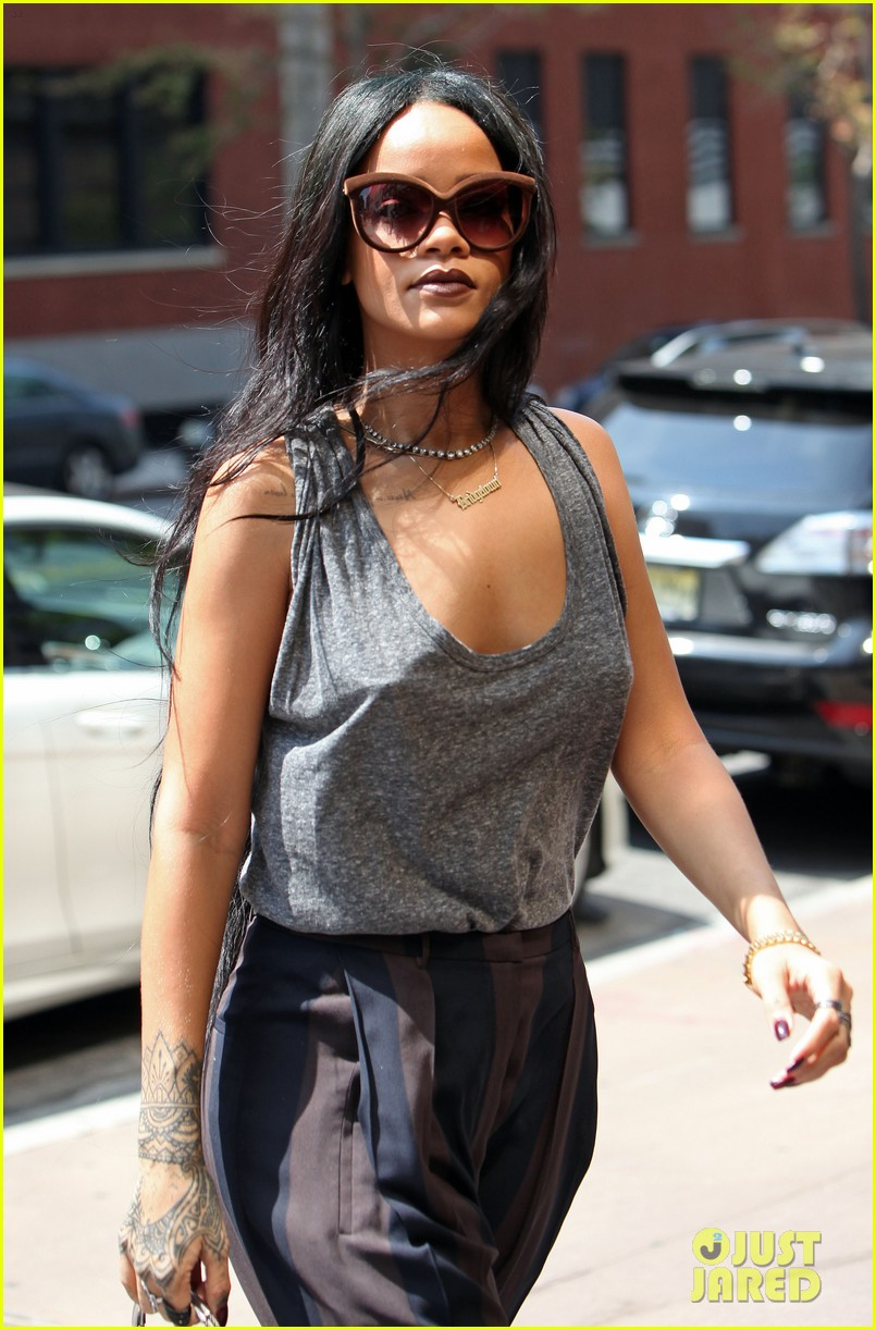 rihanna goes braless in new york city 11