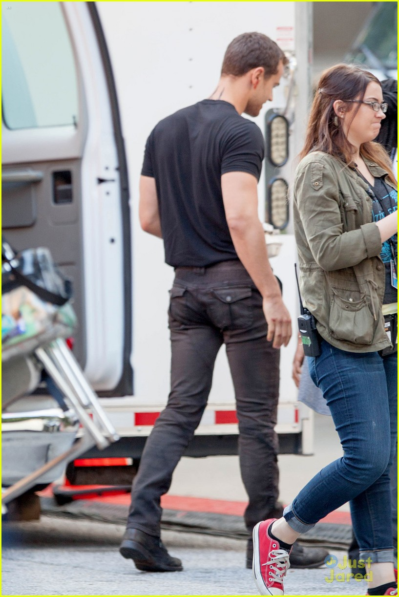 shailene woodley theo james insurgent set filming 153184144