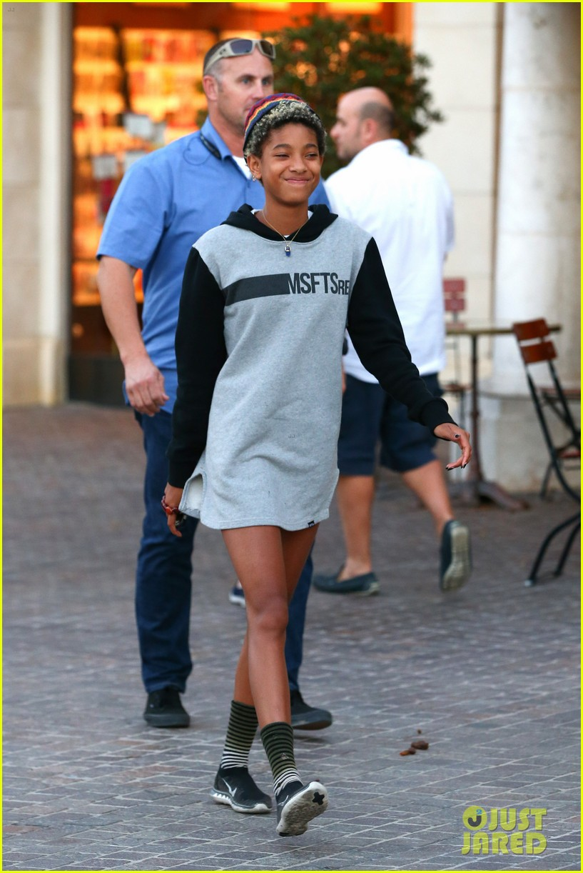 willow smith reps jadens clothing line 05