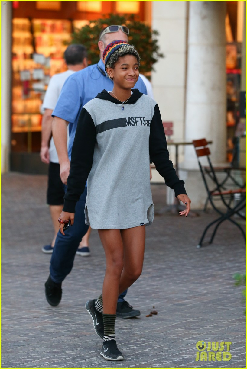 willow smith reps jadens clothing line 15