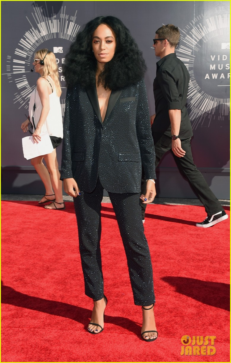 solange knowles supports beyonce at mtv vmas 2014 05