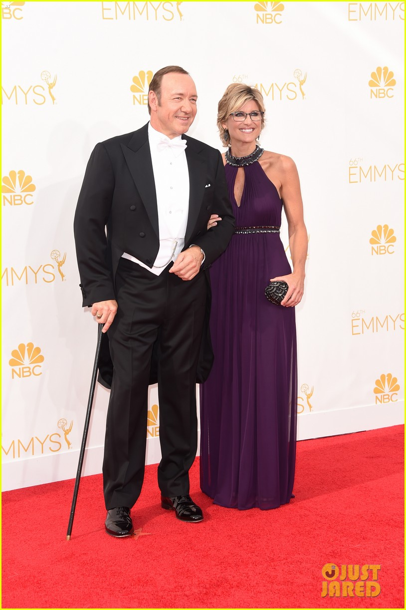 kevin spacey cane emmys 2014 013183709