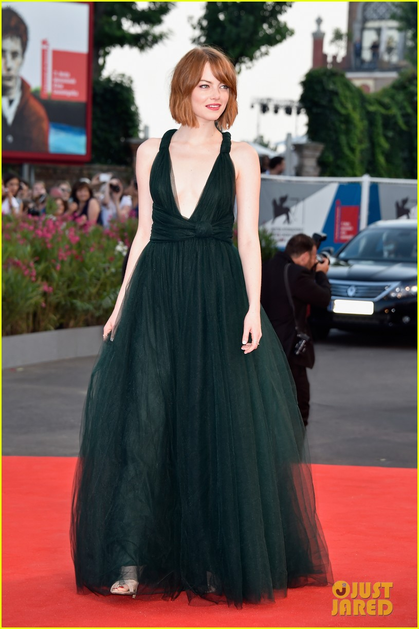 emma stone low cut dress for birdman venice premiere 03