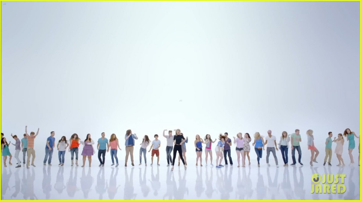 taylor swift shake it off music video 15
