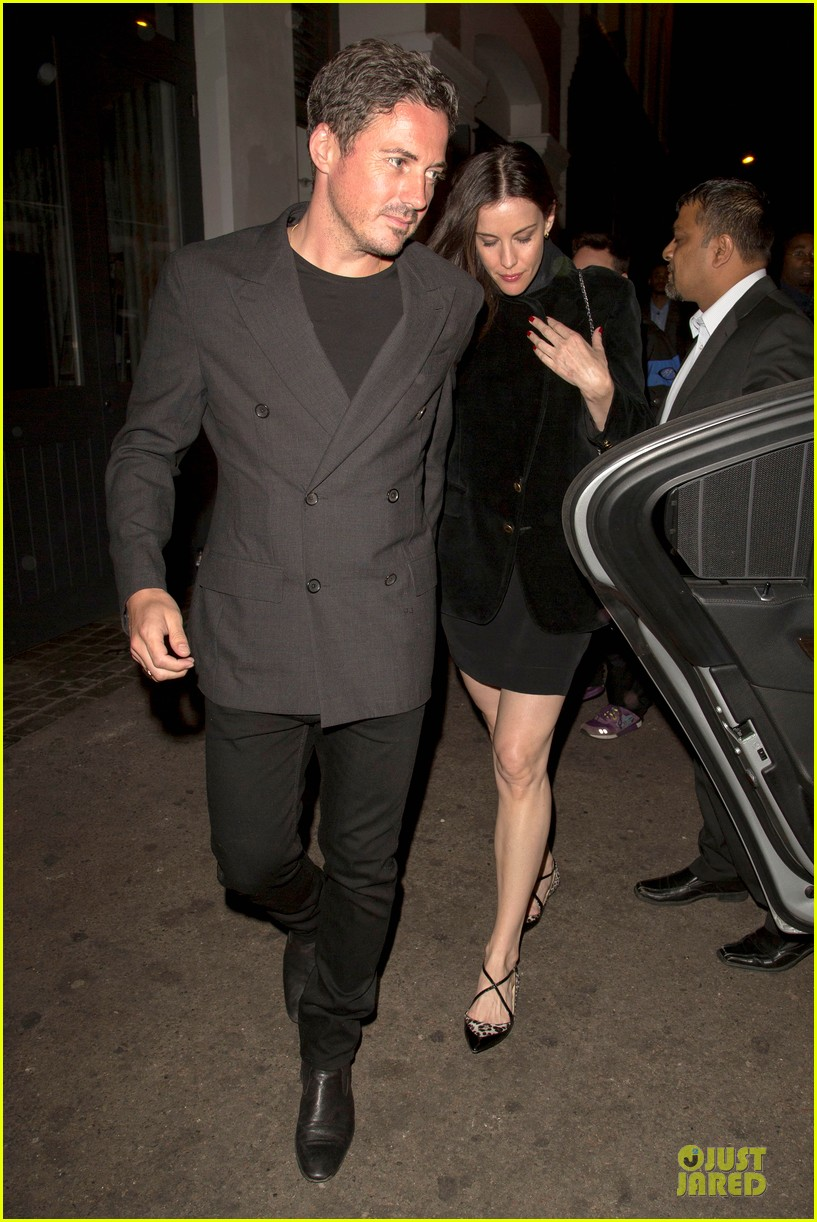 liv tyler dave gardner hold hands in london 123177535