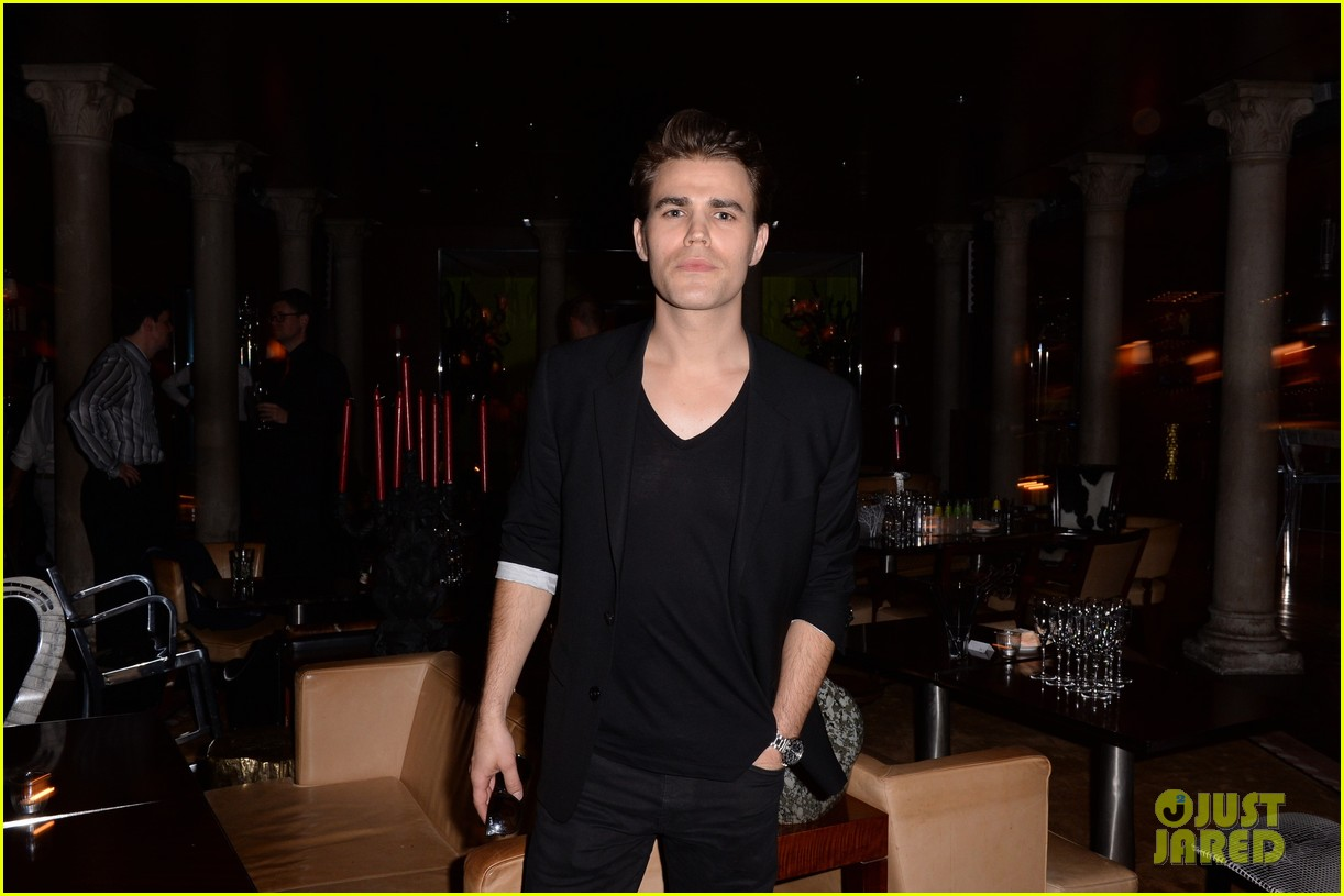 paul wesley fatima ptacek venice kick off party photo call 043185710