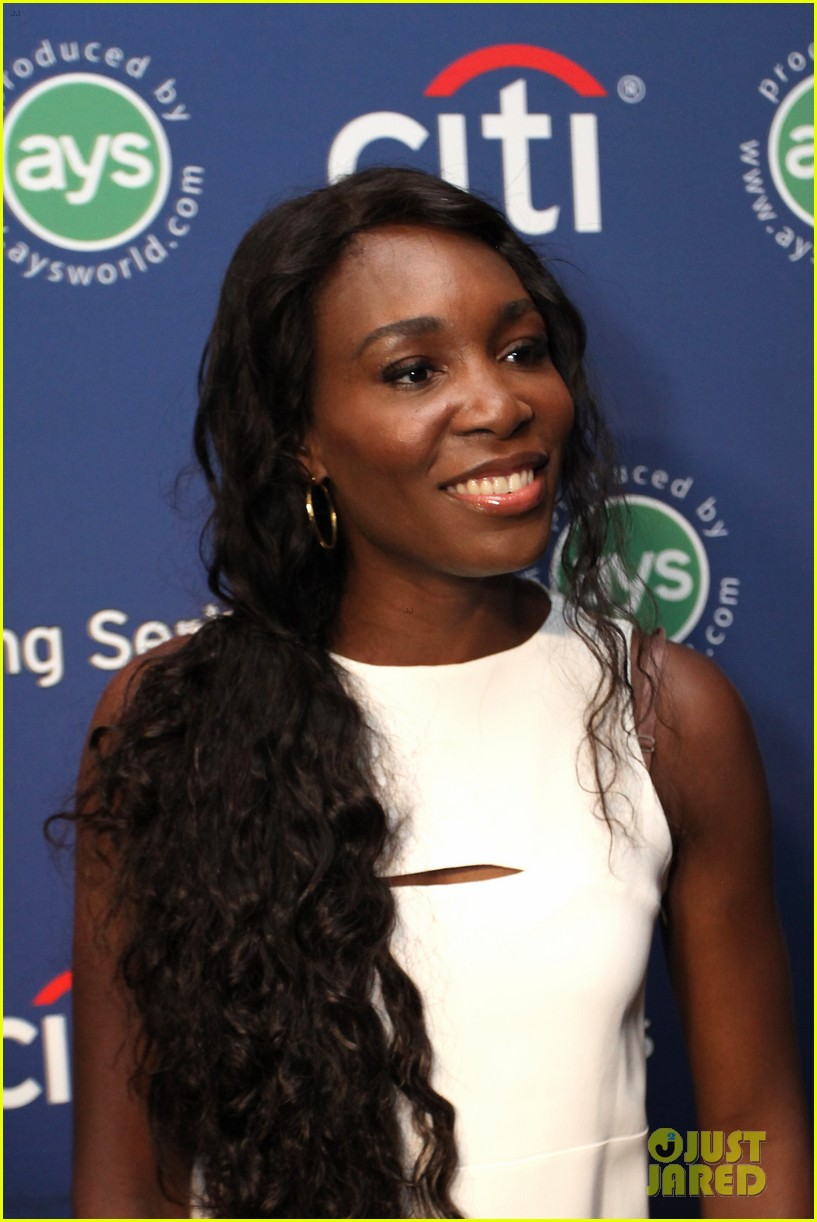 serena williams cooks up a storm at the taste of tennis gala 2014 11