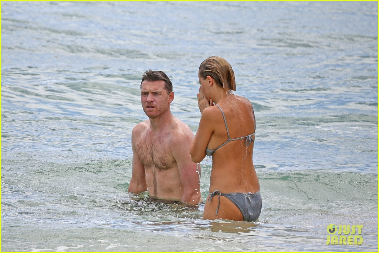 sam worthington lara bingle show off beach bodies in hawaii 27