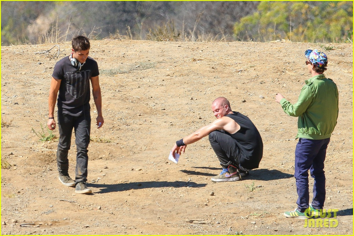 zac efron tree desert we are your friends set 22