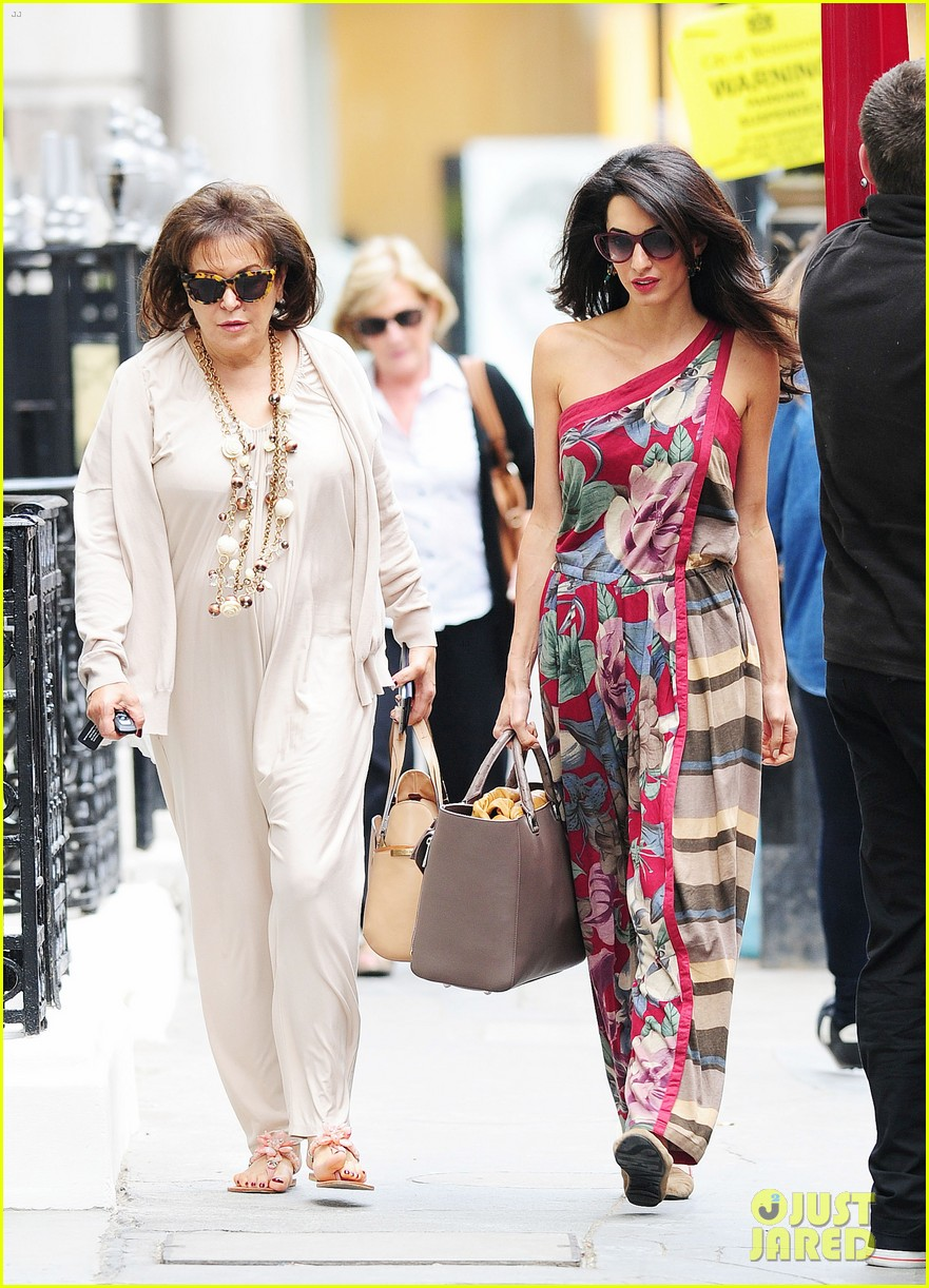 amal alamuddin goes for a fitting at alexander mcqueen 073189367