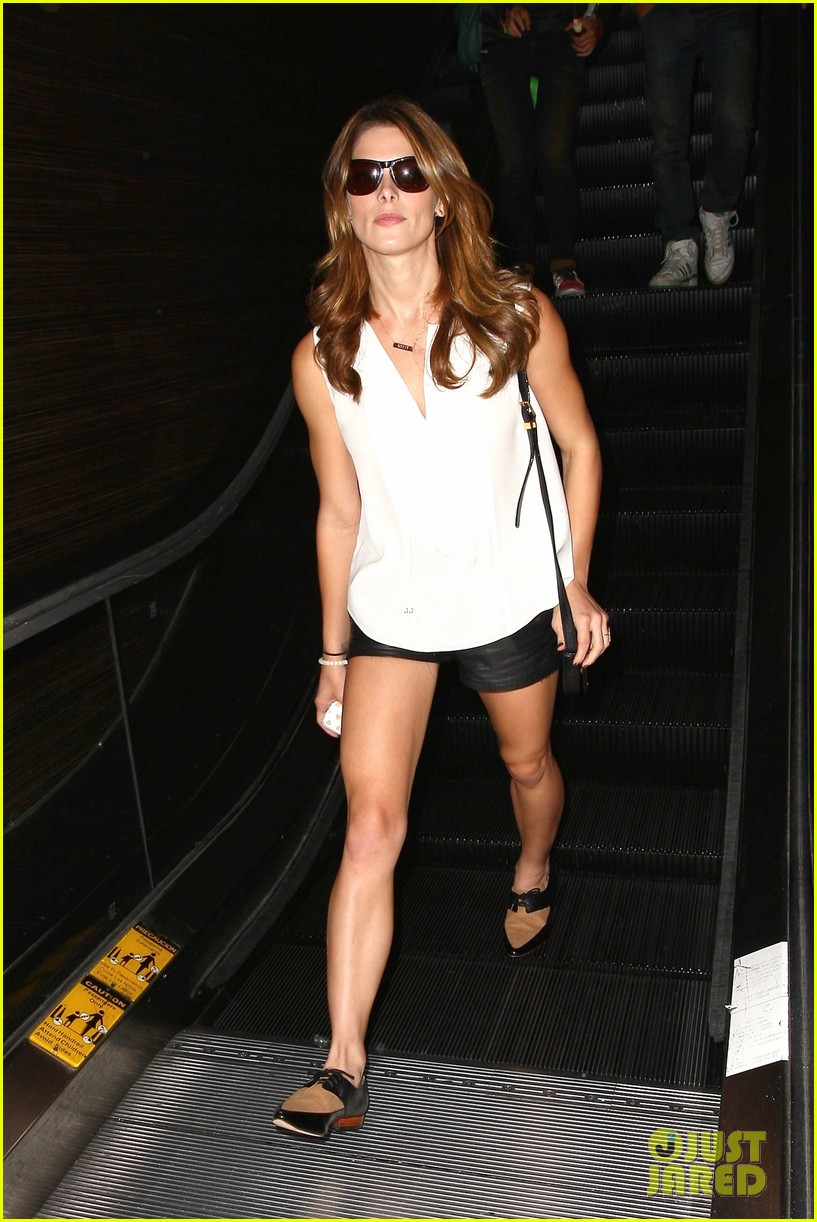 ashley greene flaunts toned legs lax 08