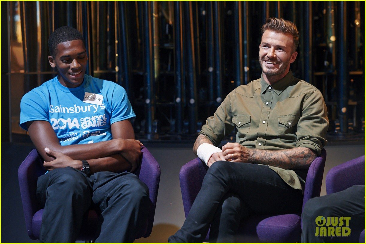 david beckham wears cast on his arm after motorcycle accident 093187911