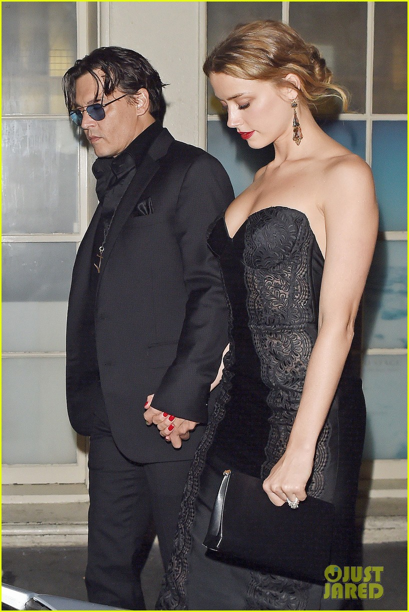 johnny depp amber heard hold hands gq men of the year awards 04