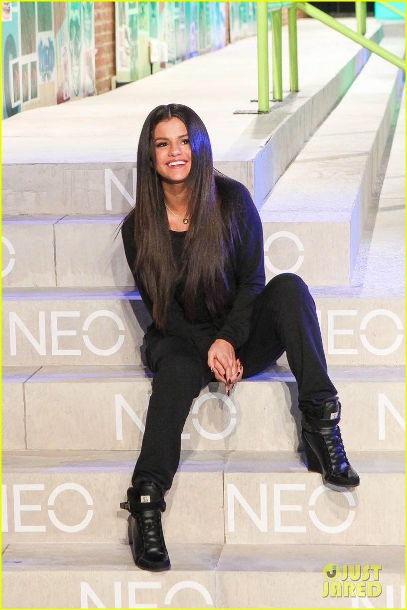 selena gomez adidas neo label show 133188702