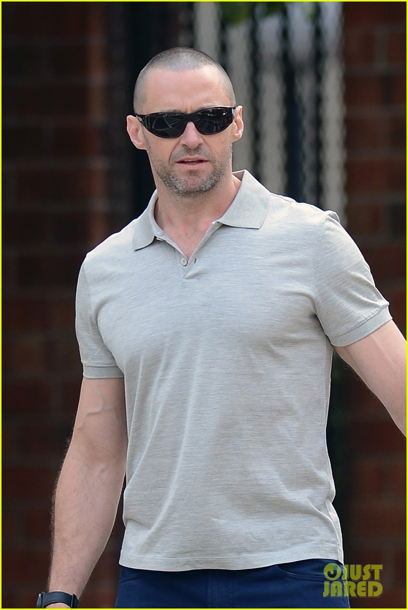 hugh jackman looks lovey dovey with wife after shaving his beard 02