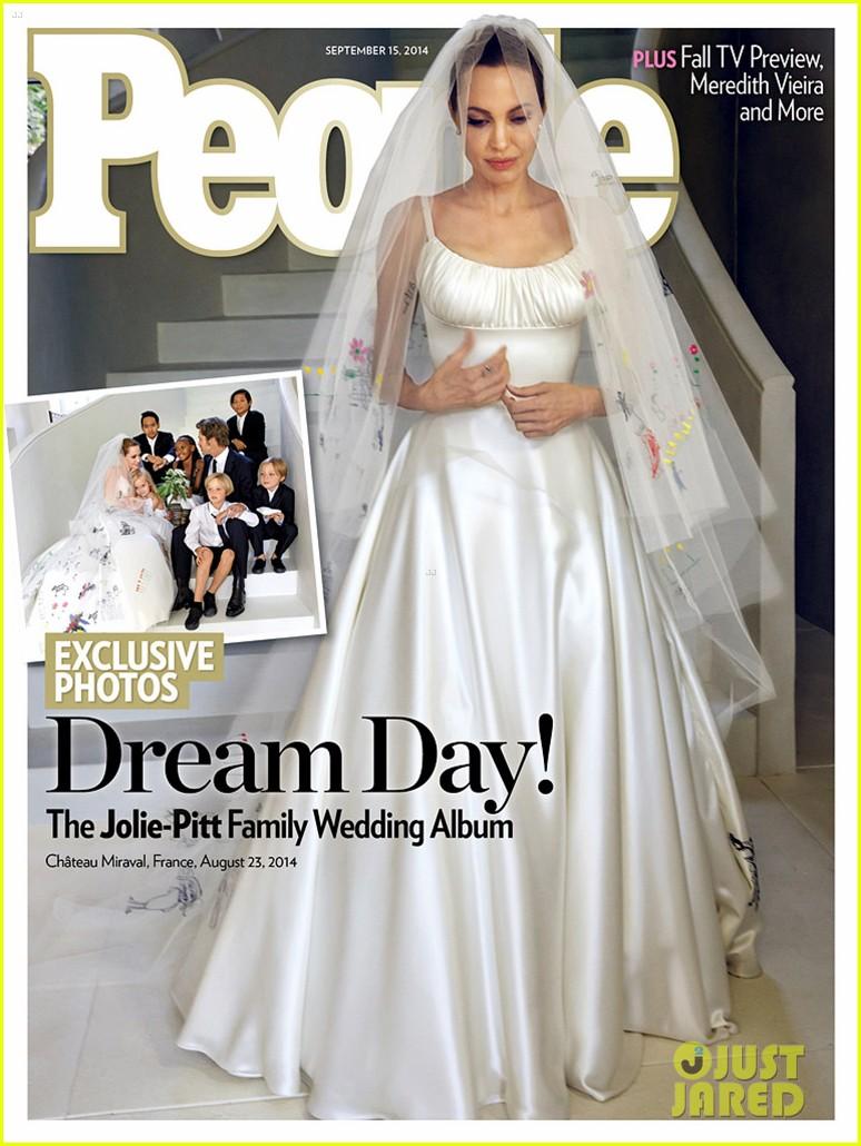 angelina jolie wedding dress 01