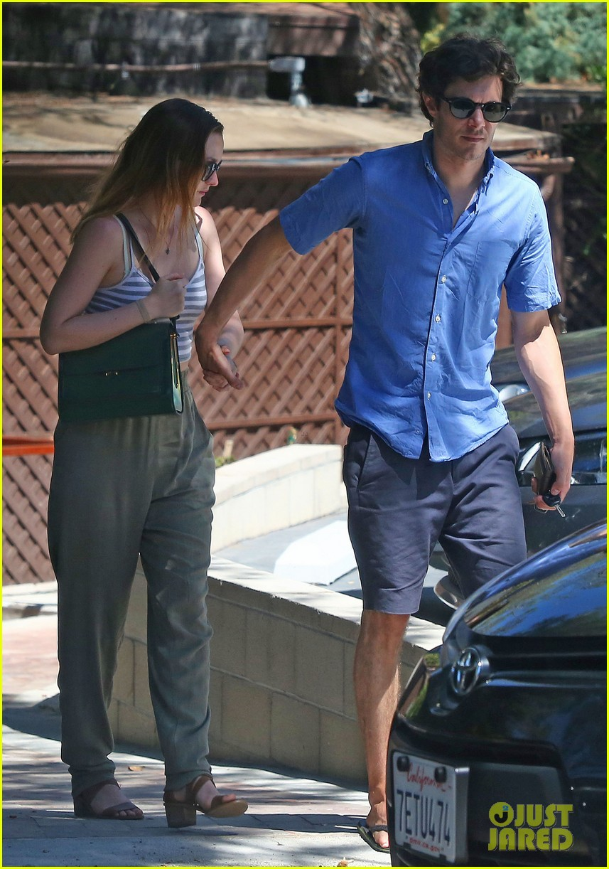 leighton meester adam brody share sweet embrace after lunch 01