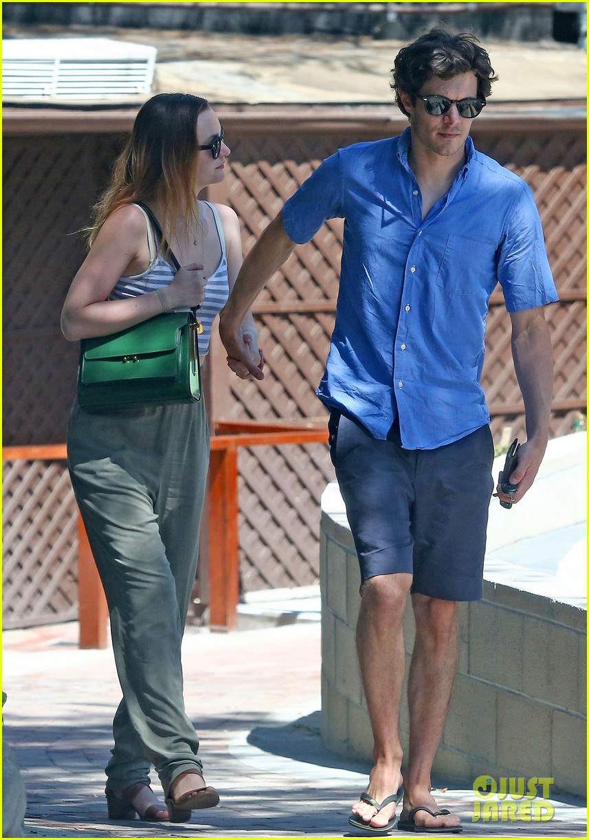 leighton meester adam brody share sweet embrace after lunch 083187292