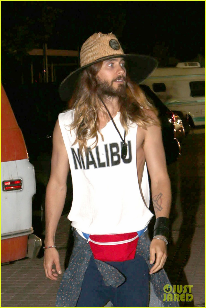 jared leto shows off his guns for target practice at malibu chili cook off 01