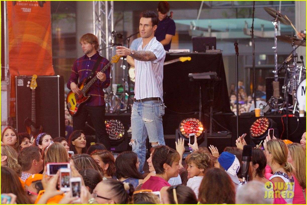 adam levine performs maps with maroon 5 today show 17