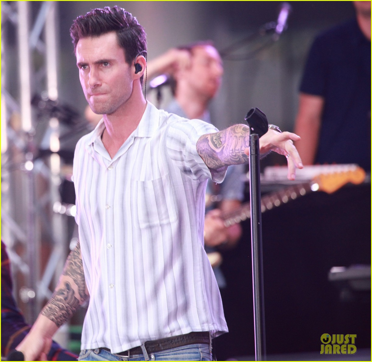 adam levine performs maps with maroon 5 today show 20