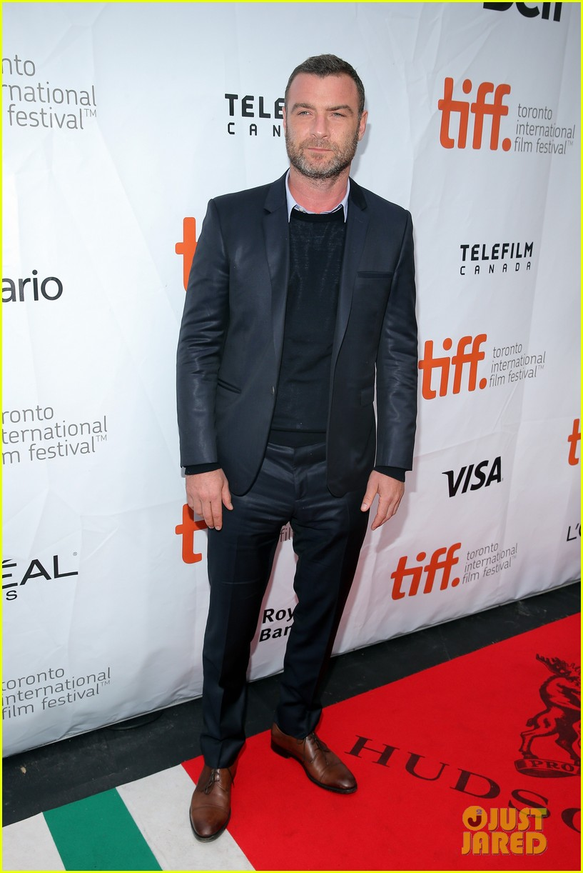 Full Sized Photo of liev schriber tobey maguire tiff pawn ... Tobey Maguire