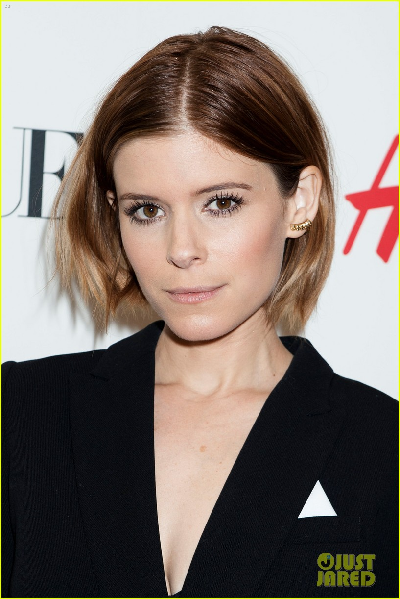 kate mara johnny wujek hm window unveiling 02