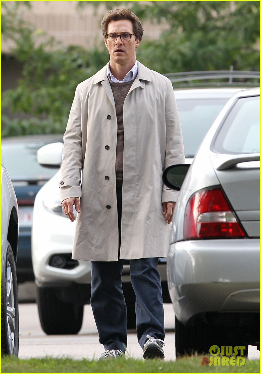 matthew mcconaughey goes for a glasses look for sea of trees 083188436