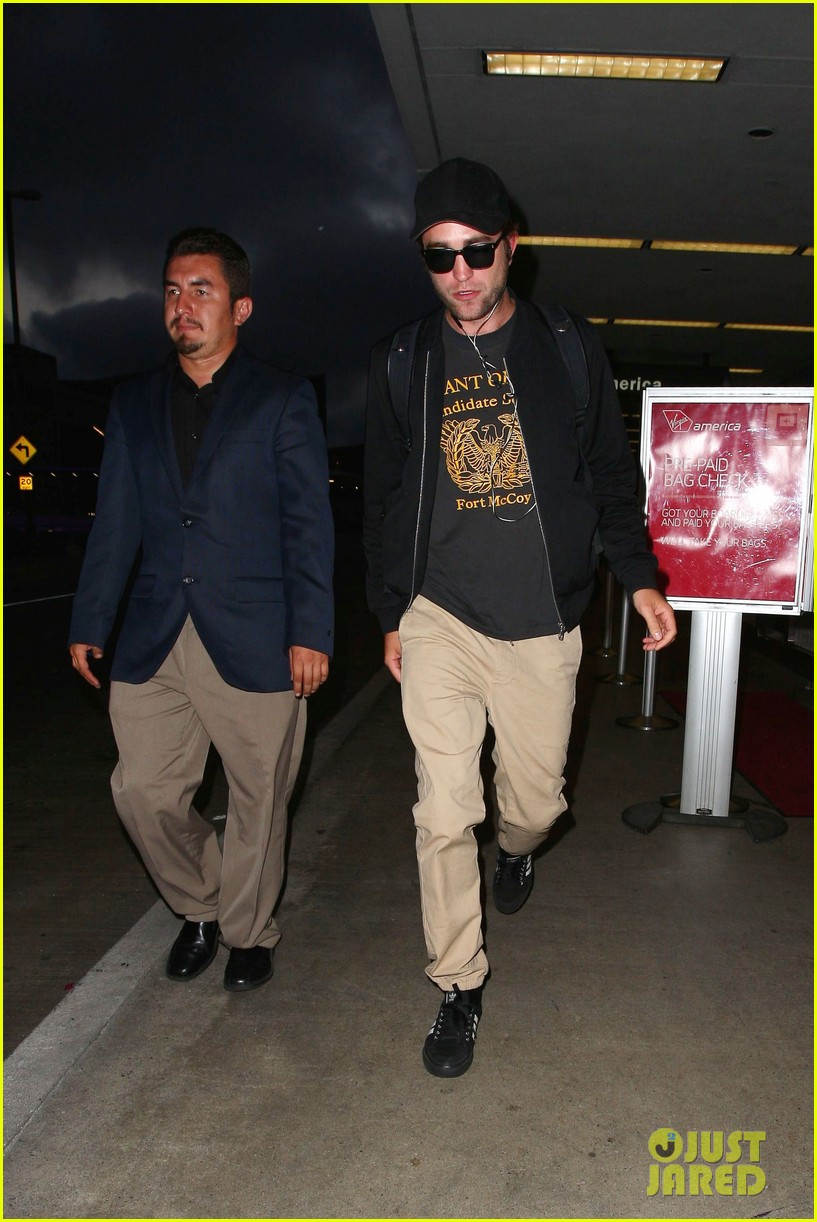 robert pattinson heads to la amid fka twigs dating rumors 053188915